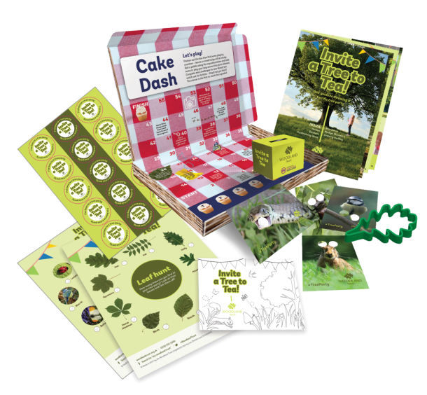 tree-party-box-contents-cutters.png